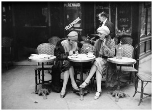Maurice-Louis-Branger-Terrasse-de-café-Paris-1925-e1443540578838
